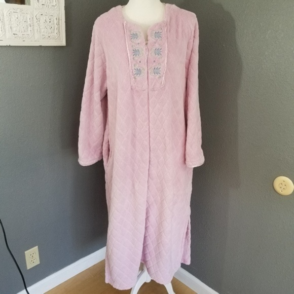 Stan Herman Plush Zip front Robe L Pink Bathrobe. M 5b67d925aa8770c505ae2bf8 959a6ed7c